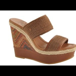 Lucky Brand Candy Wedge